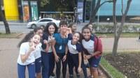 Estudantes têm momento de esporte e lazer na Praça da Liberdade