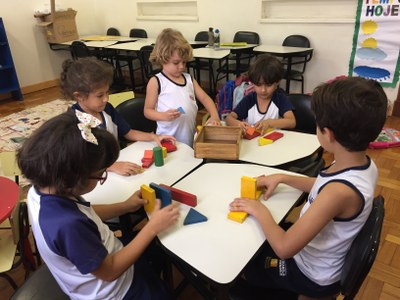 Horário estendido oferece atividade de alfabetização matemática