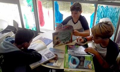 Sexto e sétimo anos fazem visita na Biblioteca Estadual de Minas Gerais